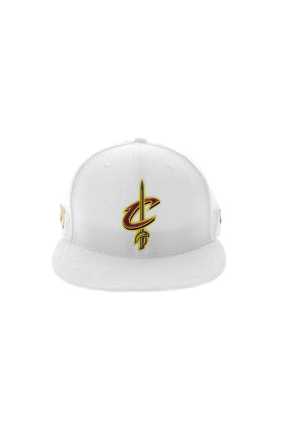New Era Cleveland Cavaliers 9FIFTY On-Court Collection Draft Snapback White