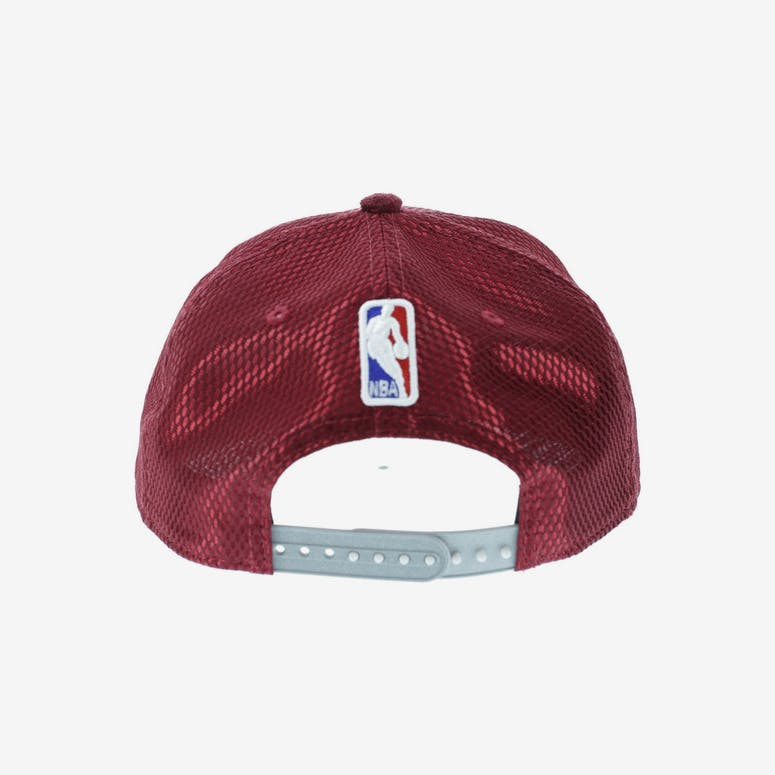0cc7249d994 New Era Cleveland Cavaliers 9FIFTY On-Court Collection Draft Snapback  Burgundy