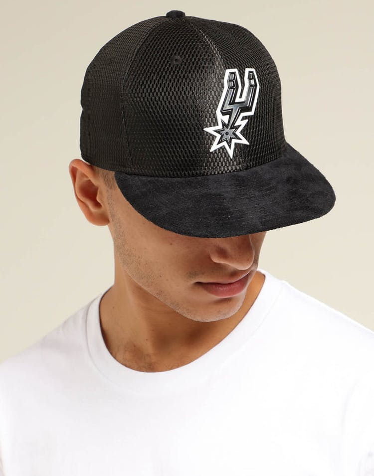 quality design f71d6 caae8 New Era San Antonio Spurs 59FIFTY On-Court Collection Draft Black – Culture  Kings