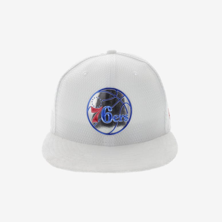 New Era Philadelphia 76ers 59FIFTY Fitted On-Court Collection Draft Wh –  Culture Kings f6e266cca616