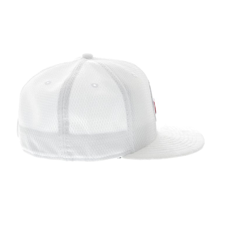 newest collection 831bb 2f0a2 New Era Philadelphia 76ers 59FIFTY Fitted On-Court Collection Draft White