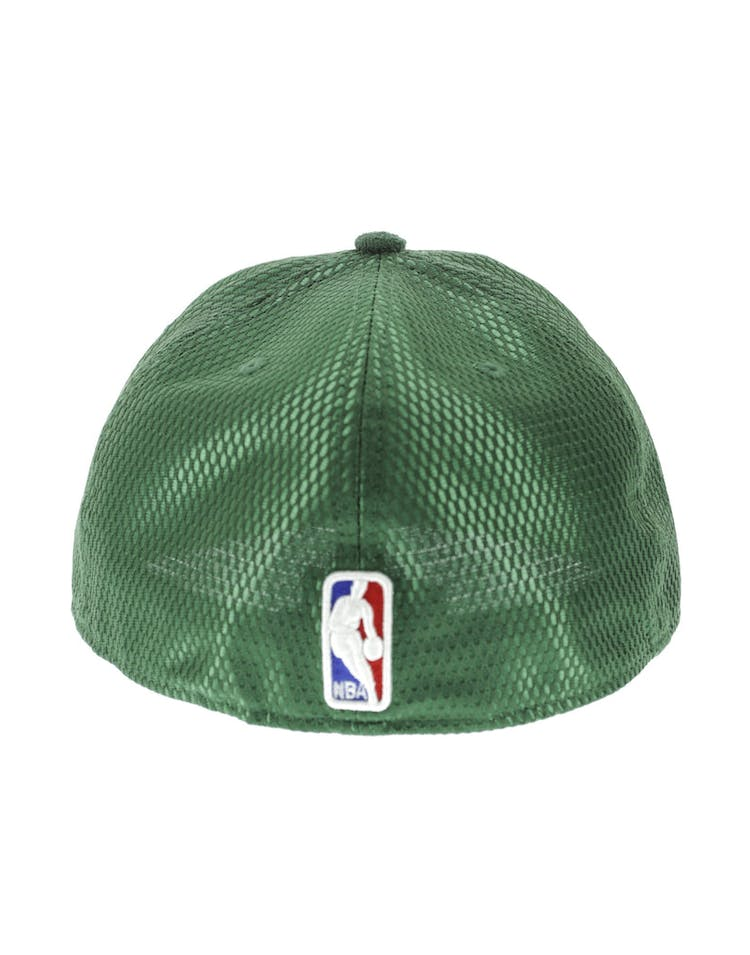 buy popular 60558 3cc0d New Era Milwaukee Bucks 59FIFTY On-Court Collection Draft Green