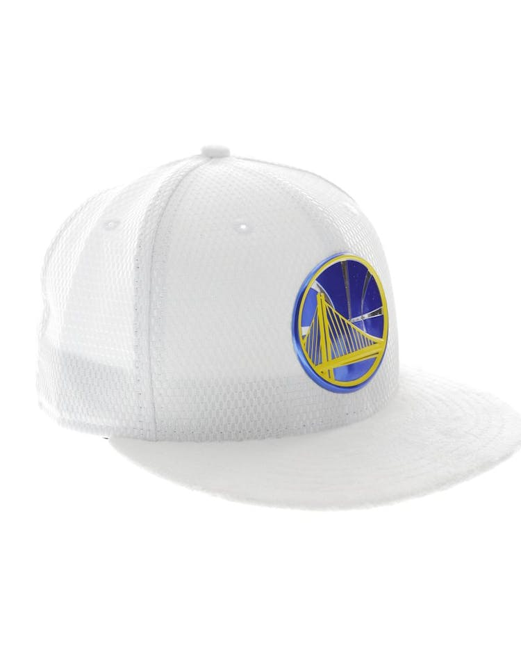 low priced 55d54 1ffa6 New Era Golden State Warriors 59FIFTY Fitted On-Court Collection Draft White