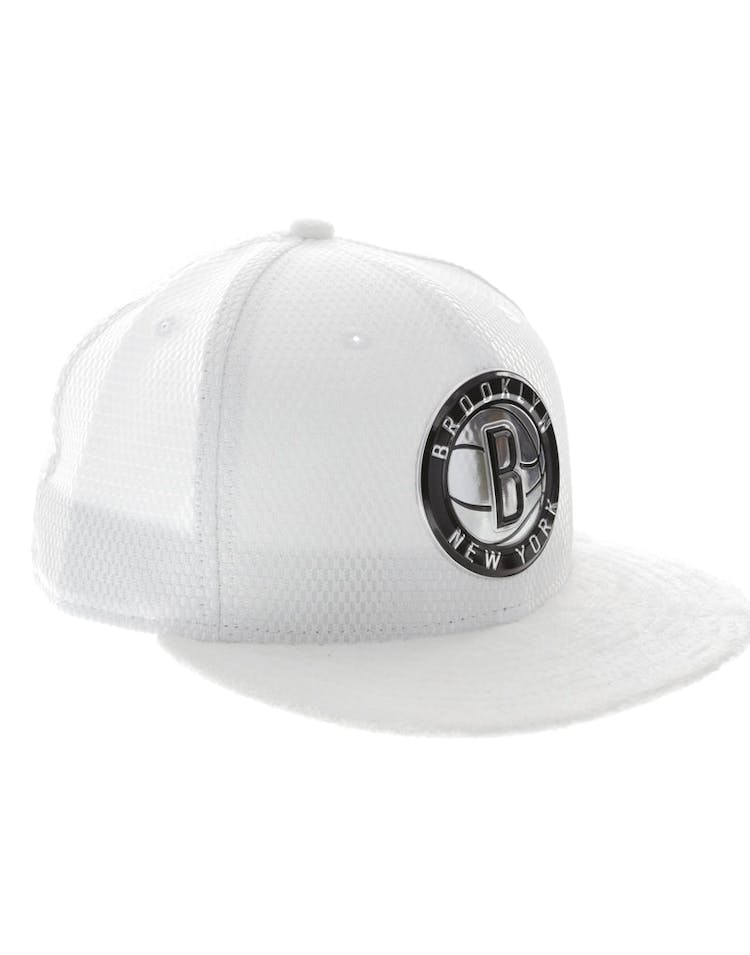 quality design 68795 86be6 New Era Brooklyn Nets 59FIFTY Fitted On-Court Collection Draft White