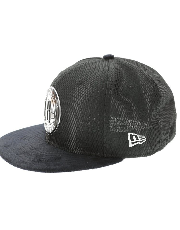 premium selection 32cbf 6b5f3 New Era Brooklyn Nets 59FIFTY Fitted On-Court Collection Draft Black