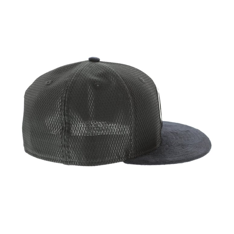 premium selection 09ff0 8be6f New Era Brooklyn Nets 59FIFTY Fitted On-Court Collection Draft Black
