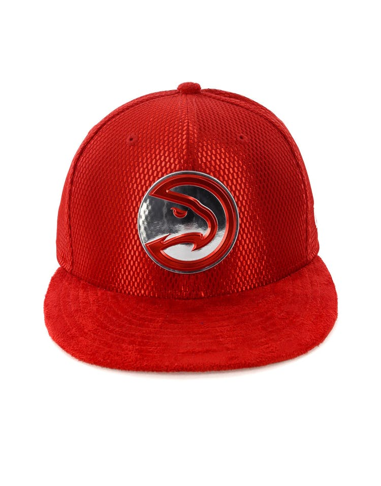 best sneakers 4e1f4 725d6 New Era Atlanta Hawks 59FIFTY Fitted On-Court Collection Draft Red –  Culture Kings