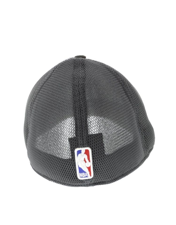 low priced 379a1 f5b85 New Era Brooklyn Nets Logo 3930 Black
