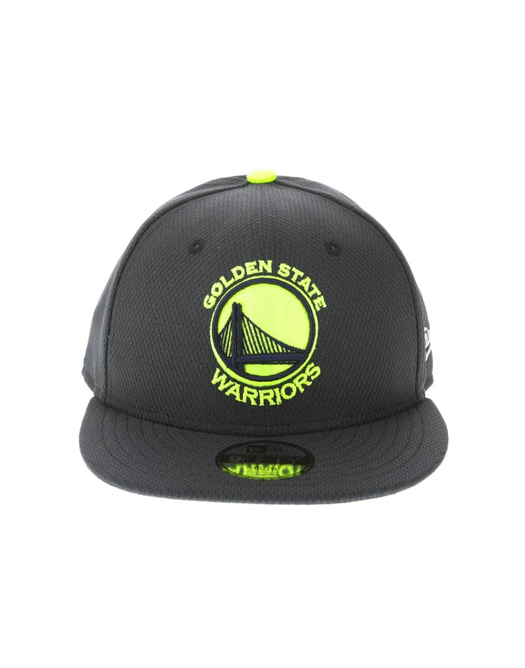 8c5ed5caaab09d New Era Golden State Warriors Youth Neon Pop 9FIFTY Snapback Navy – Culture  Kings