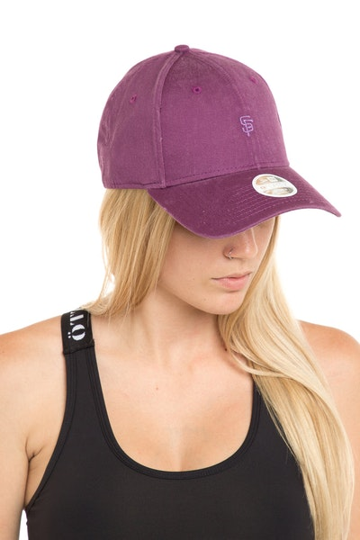New Era Women's San Francisco Giants 940 Strapback Burgundy