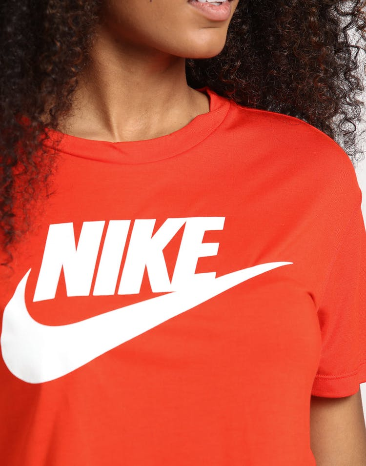 c5f34abf70b Nike Women's NSW Essential SS Crop Top Habanero Red – Culture Kings