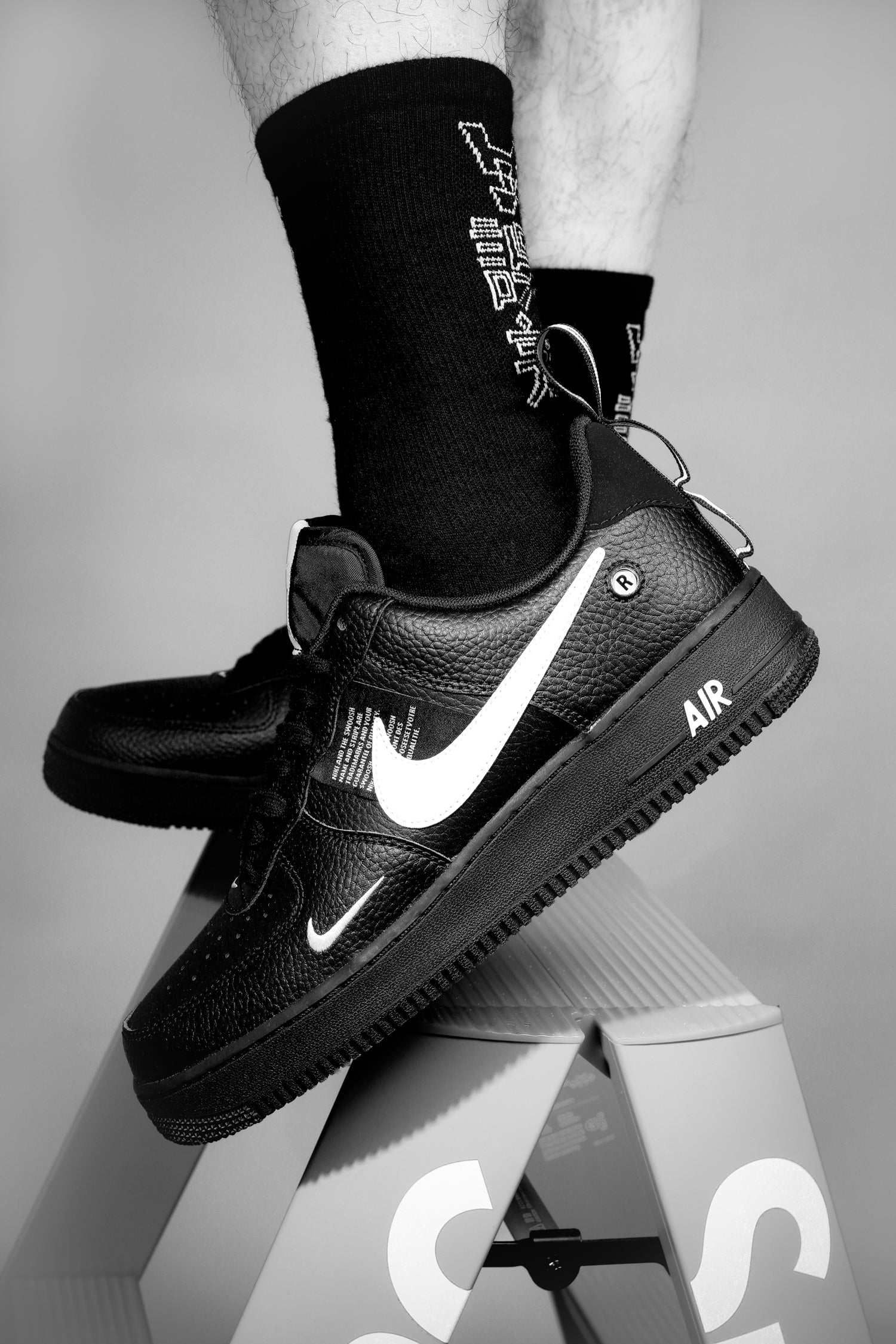 Nike Air Force 1 LV8 Utility Trainers in Black at Sarenza.eu