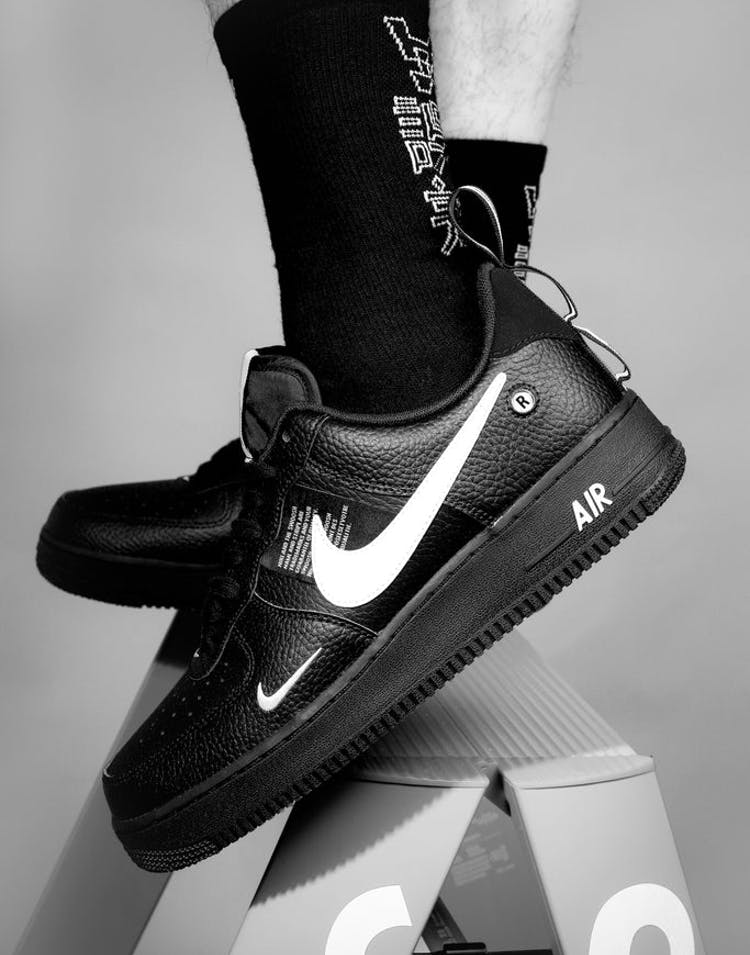 uk availability 409bb 5ca69 Nike Air Force 1  07 LV8 Utility Black White – Culture Kings