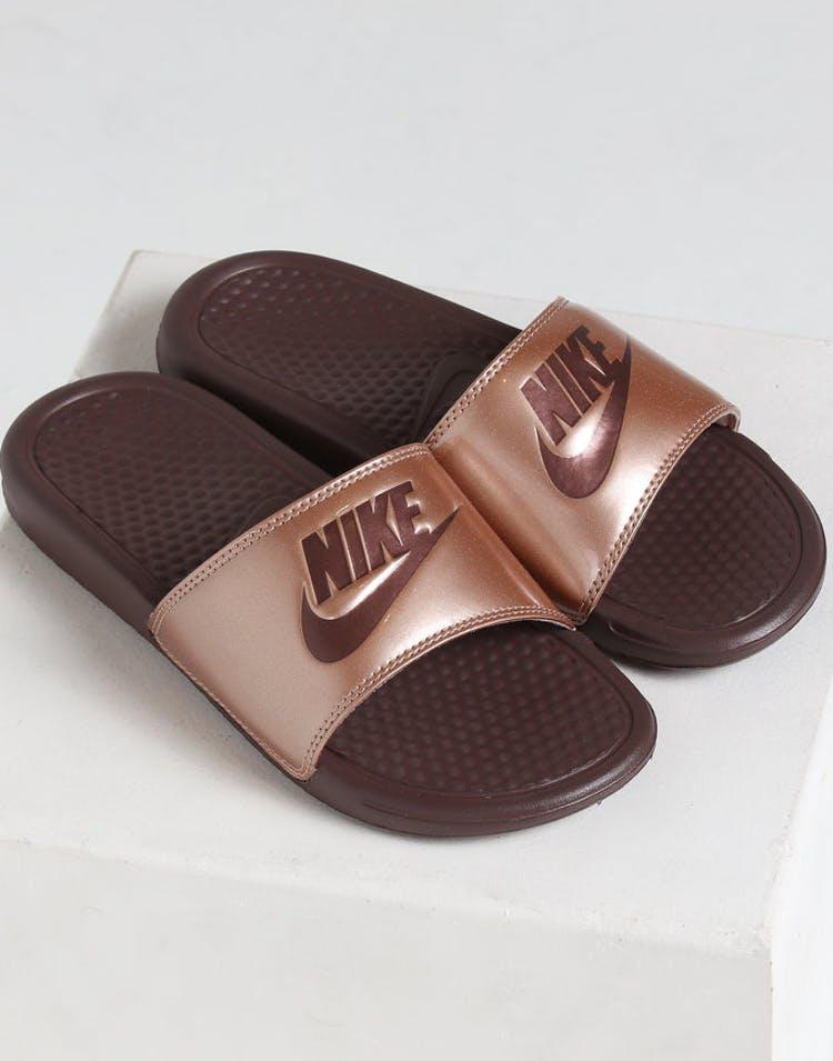 e540862b2876 Nike Women s Benassi