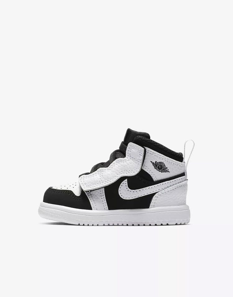 pretty nice 4ba23 6dcff Jordan Kids Jordan 1 Mid ALT White Black White – Culture Kings