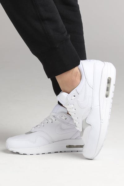 outlet store 53db1 a8a28 Nike Women s Air Max 1 White White White