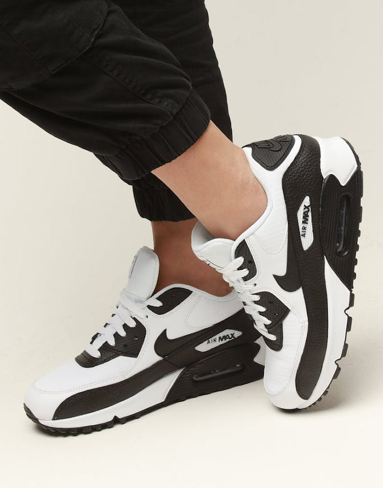 uk availability d0aa0 1f053 Nike Women s Air Max 90 White Black White – Culture Kings