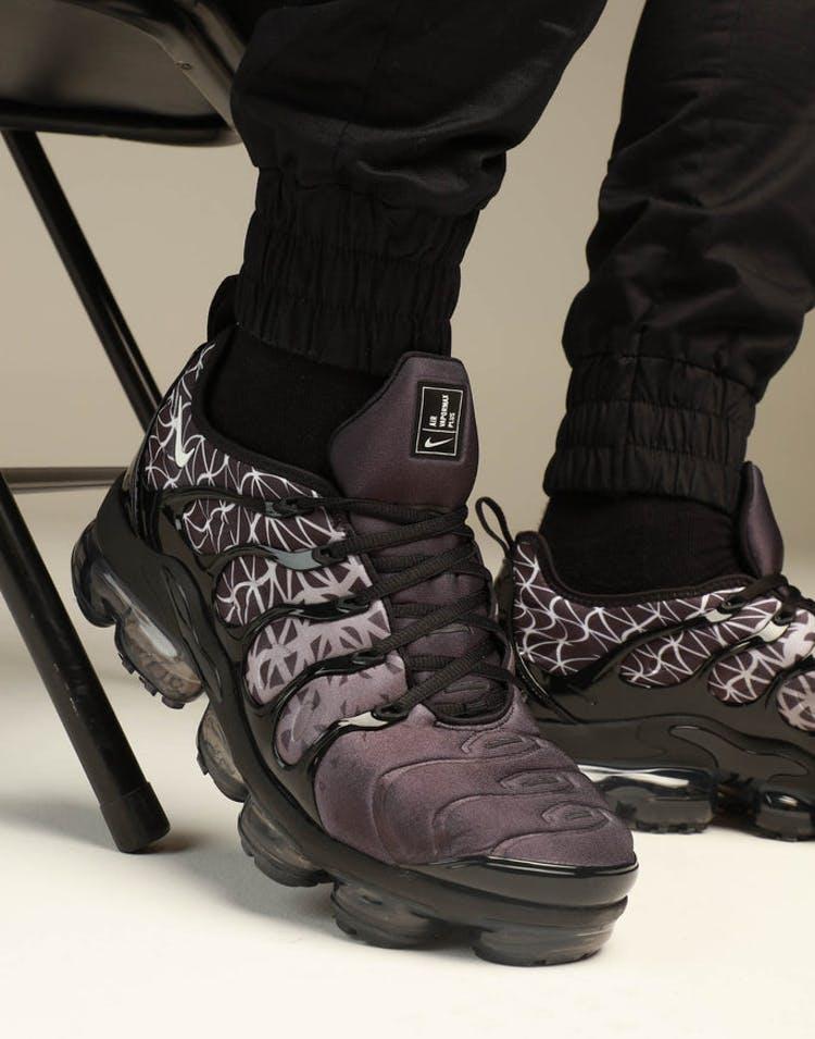 60e7d56817 Nike Air Vapourmax Plus Black/White – Culture Kings