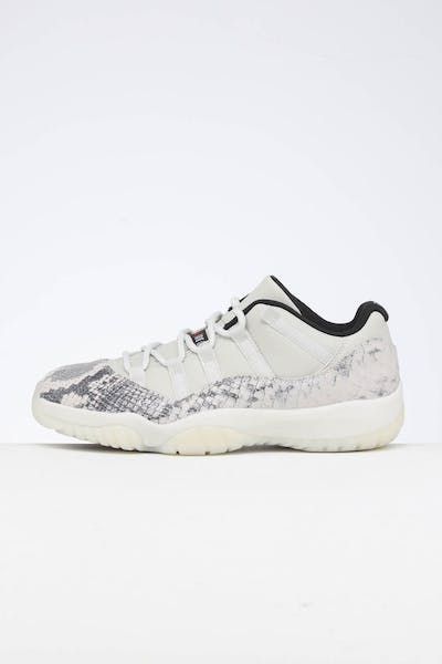 save off 3c0ee 811dd Air Jordan 11 Retro Low LE