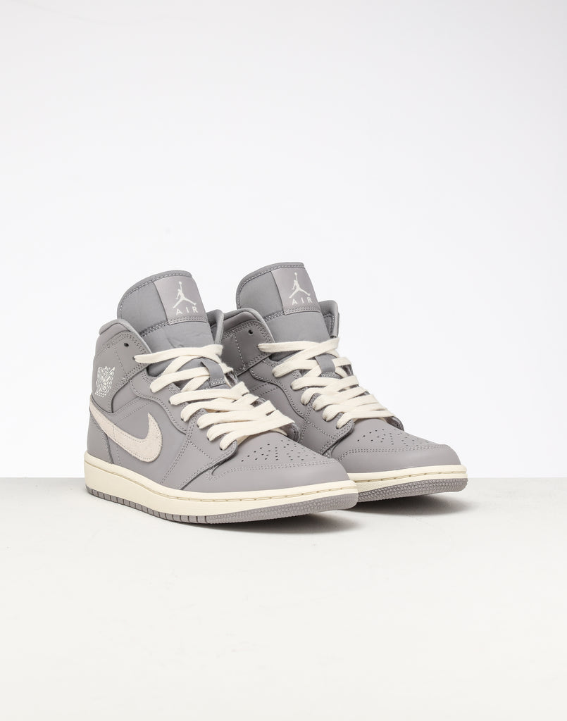 Wmns Air Jordan 1 'sage Xx' Jordan 1 All Light Blue Free