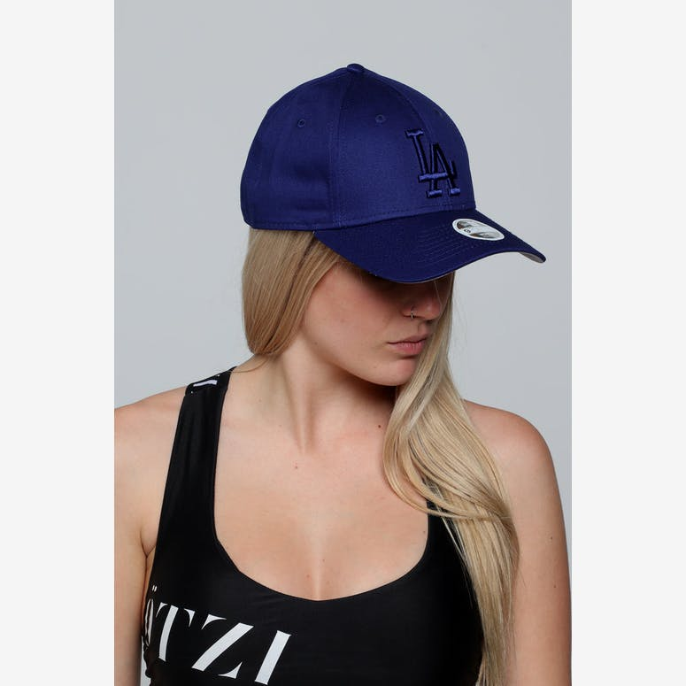 0d79967923c New Era Women s Los Angeles Dodgers 9FORTY CS Strapback Dark Royal –  Culture Kings