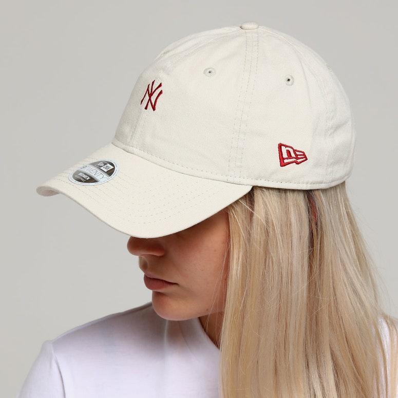 New Era Women's New York Yankees 9TWENTY Strapback Ivory