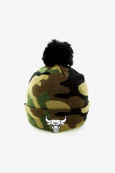 5f51042b23f New Era Chicago Bulls Pom Knit Beanie Camo