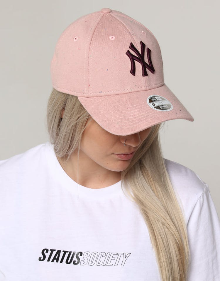 21fccd5d New Era Women's New York Yankees 9FORTY Cloth Strapback Pink