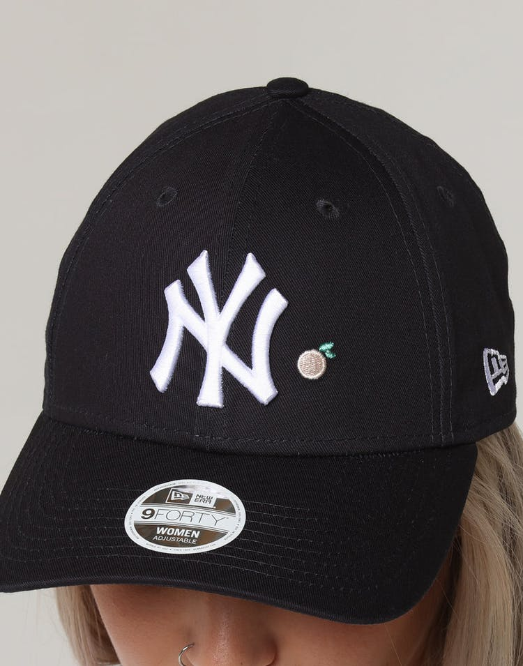 c4a2b7ab6 New Era Women's New York Yankees 9FORTY CL Fruit Strapback Navy ...