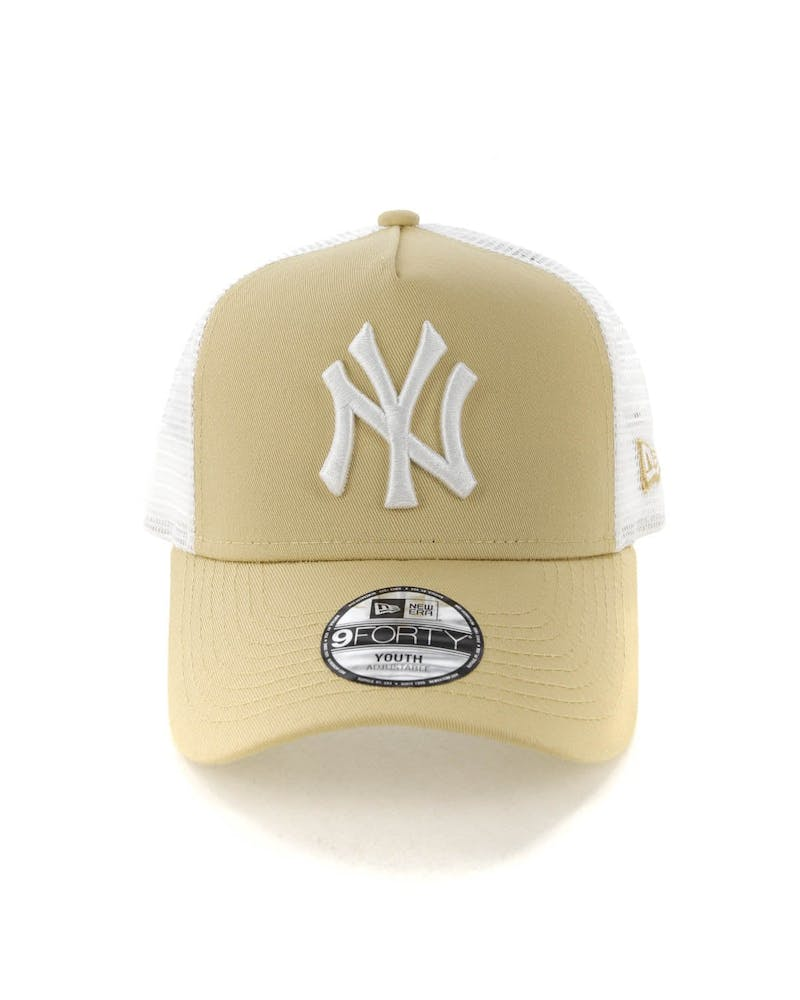 New Era Youth New York Yankees 9FORTY A-Frame Trucker Snapback Nude/White