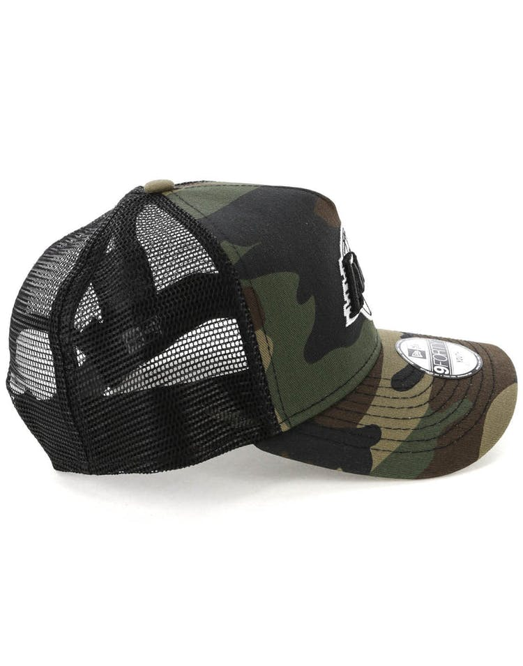 the best attitude 6cf1b b9b9d New Era Youth Los Angeles Lakers CK 9FORTY A-Frame Trucker Camo Black