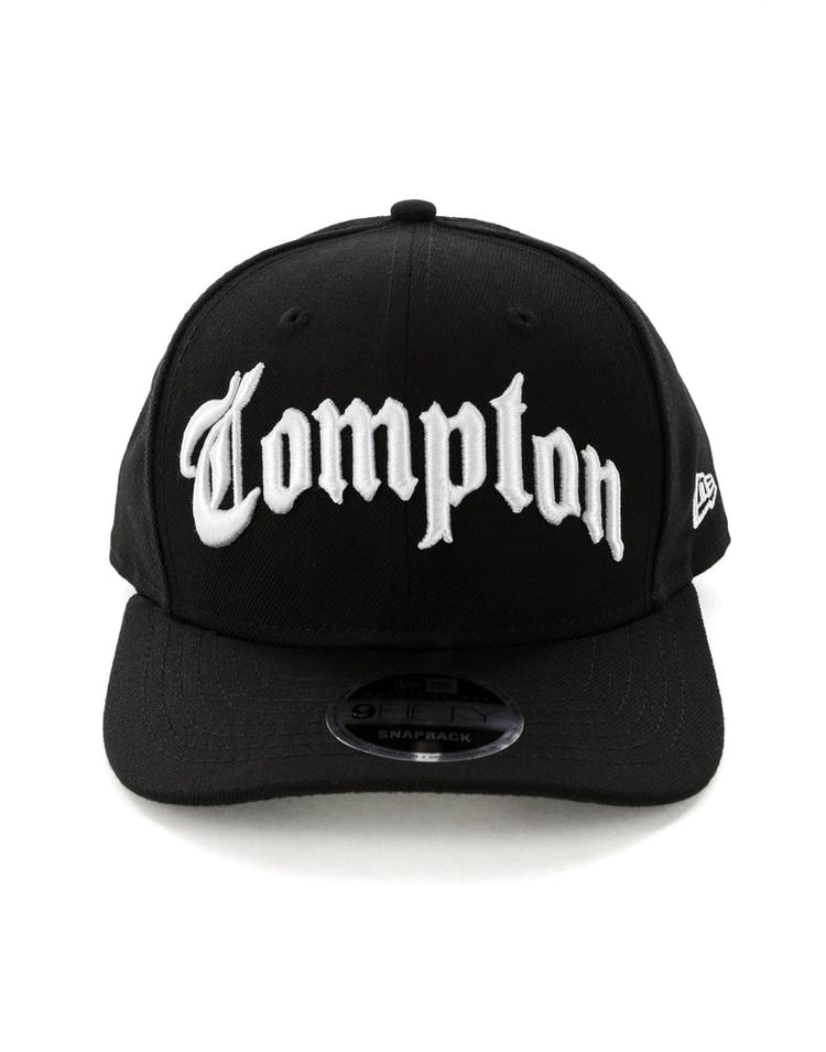 49bdcfeaefdbd New Era Compton 9FIFTY Precurved Black/White