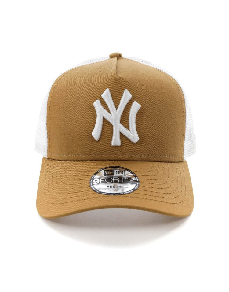ce205d347631dc New Era Youth New York Yankees 9FORTY A-Frame Trucker Snapback Wheat/W –  Culture Kings