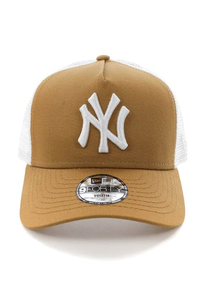 New Era Youth New York Yankees 9FORTY A-Frame Trucker Snapback Wheat/White