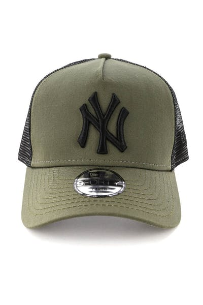 New Era Youth New York Yankees 9FORTY A-Frame Trucker Snapback Olive/Black