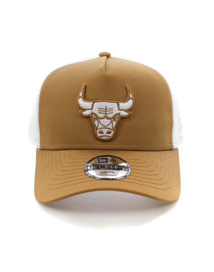 4784afd41416b1 New Era Youth Chicago Bulls 9FORTY A-Frame Trucker Snapback Wheat/Whit –  Culture Kings