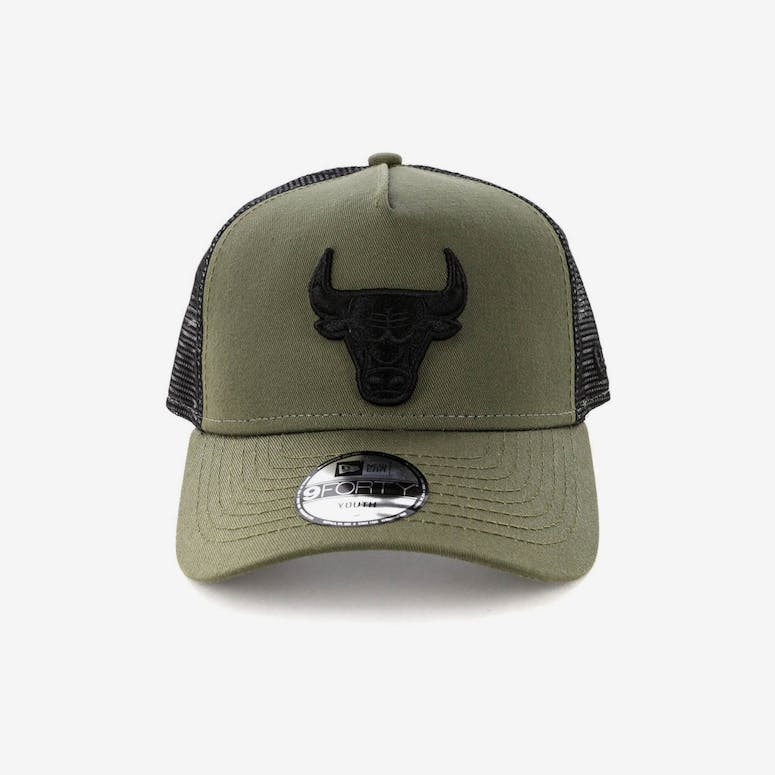 New Era Youth Chicago Bulls 9FORTY A-Frame Trucker Snapback Olive Blac –  Culture Kings ad7aeb975a6