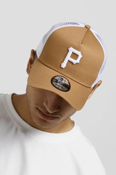 New Era Pittsburgh Pirates 9FORTY A-Frame Trucker Snapback Wheat/White