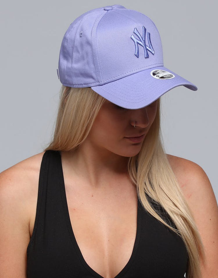 9ee8537dcf3be New Era Women s New York Yankees 9FORTY A-Frame Strapback Pastel Purpl –  Culture Kings