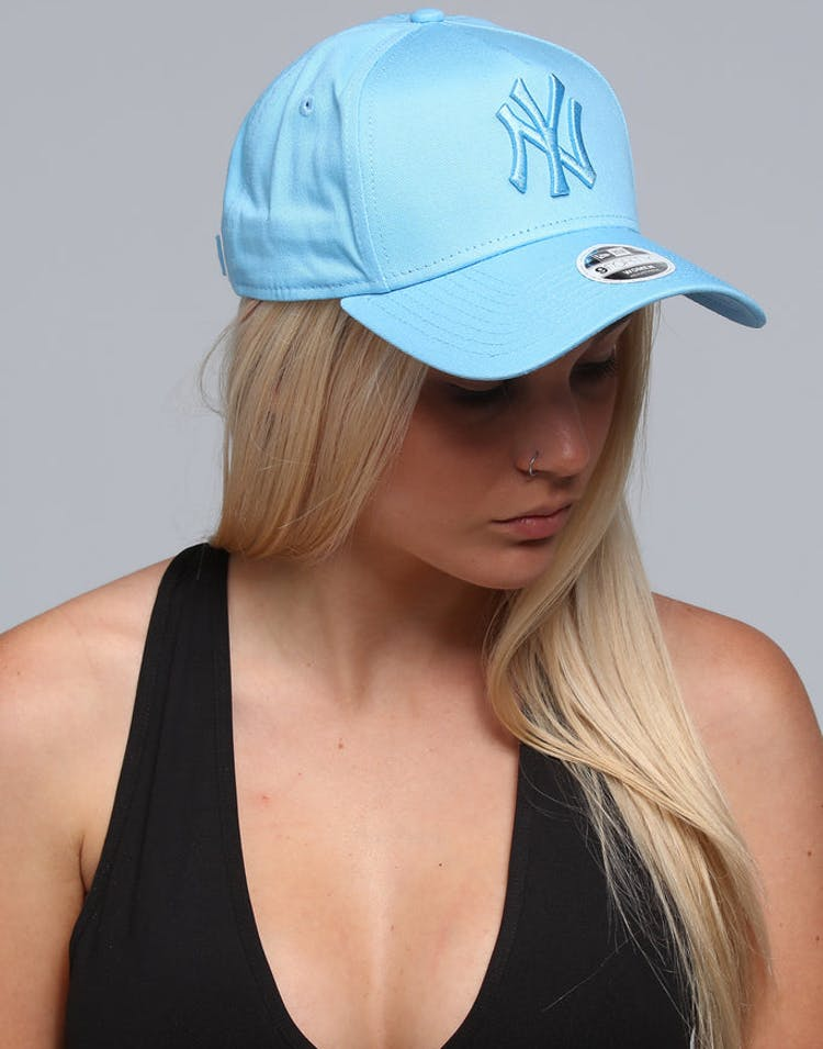 c764cde8055b2 New Era Women s New York Yankees 9FORTY A-Frame Strapback Pastel Blue –  Culture Kings
