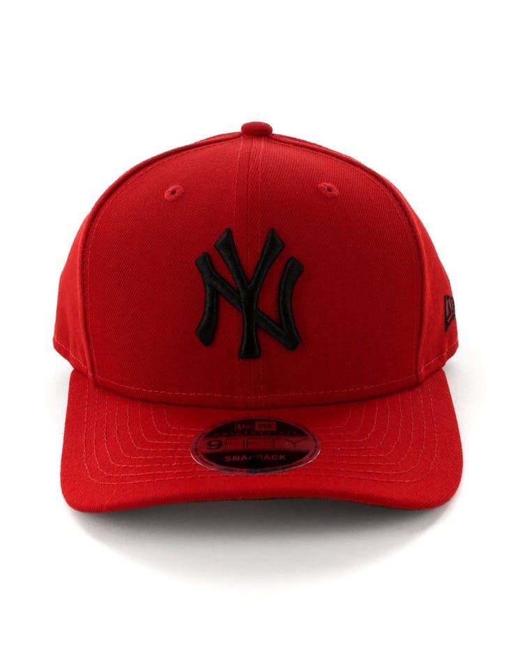 low priced 807b9 8d872 New Era New York Yankees 9FIFTY Original Fit Precurved Snapback Scarlet  Black