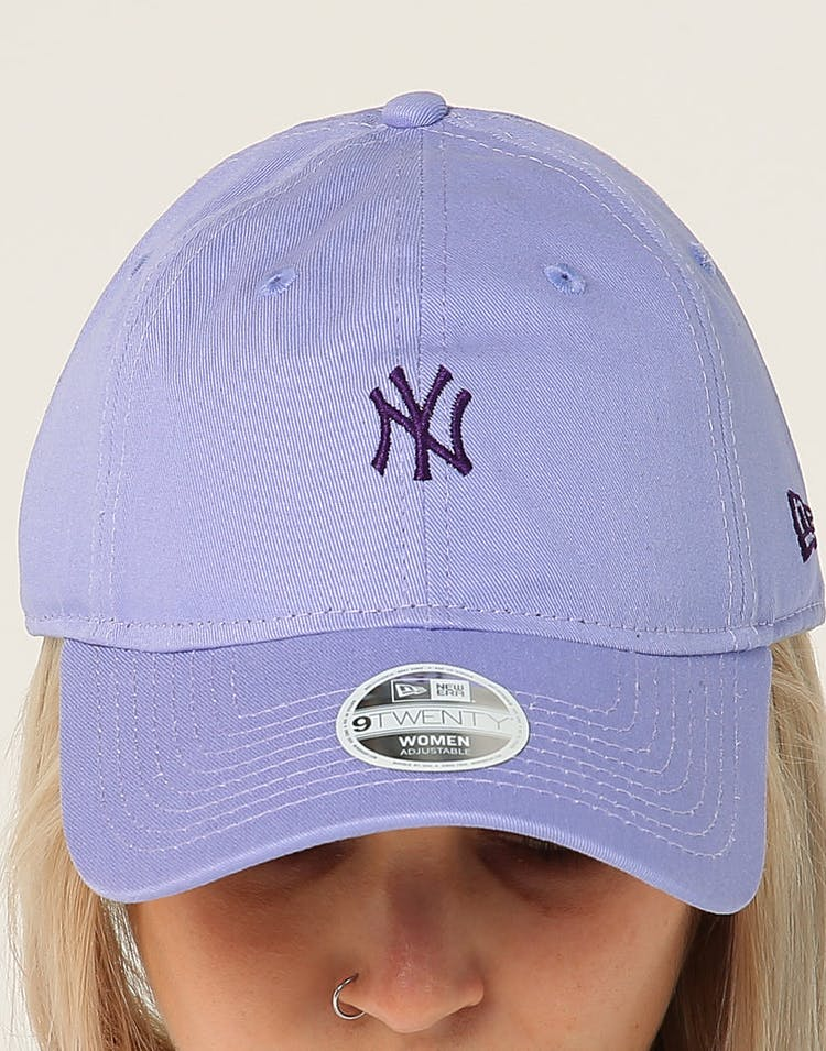 b50bf886 New Era Women's New York Yankees 9TWENTY Cloth Strapback Light Purple