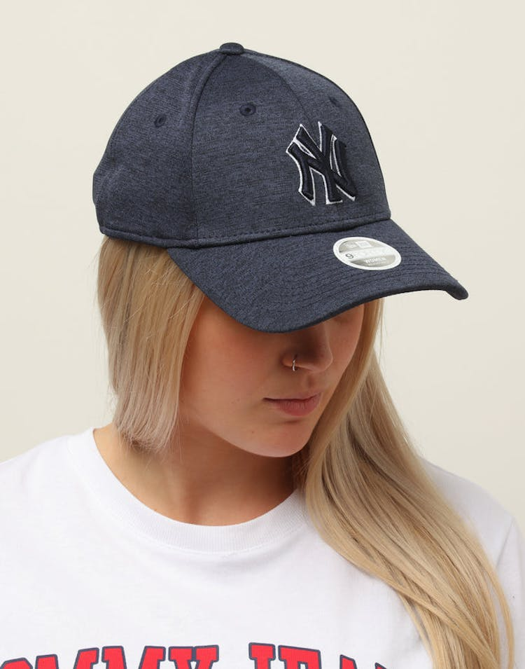 61e30751 New Era Women's New York Yankees 9FORTY Cloth Buckle Strapback Navy –  Culture Kings