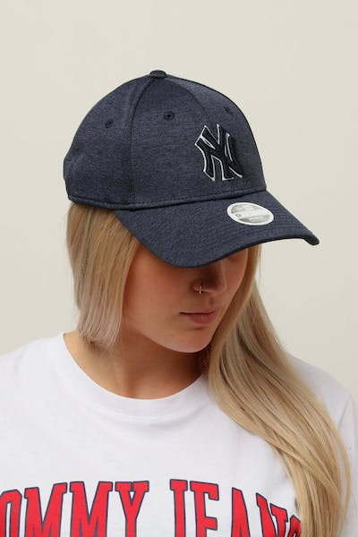 New Era Women's New York Yankees 9FORTY Cloth Buckle Strapback Navy