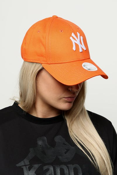New Era Women s New York Yankees 9FORTY Cloth Buckle Strapback Orange 3db386f792e4