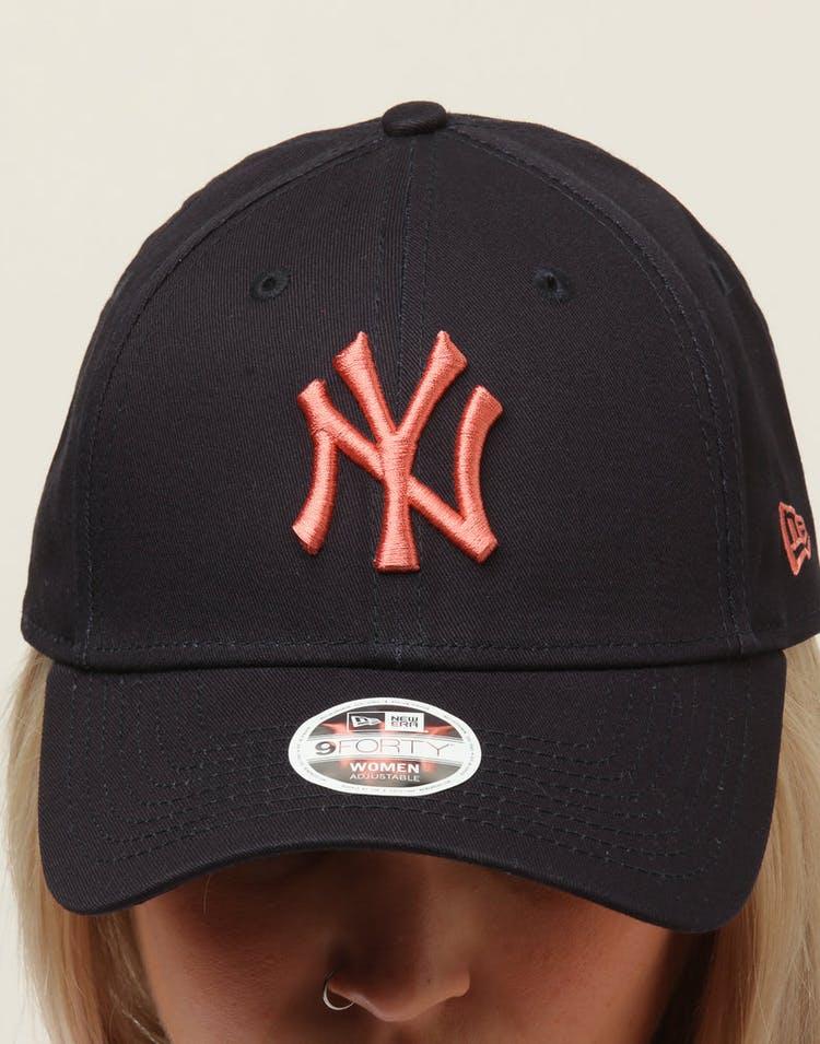 on sale a0c97 db0c4 New Era Women s New York Yankees 9FORTY Cloth Buckle Strapback Navy Bronze