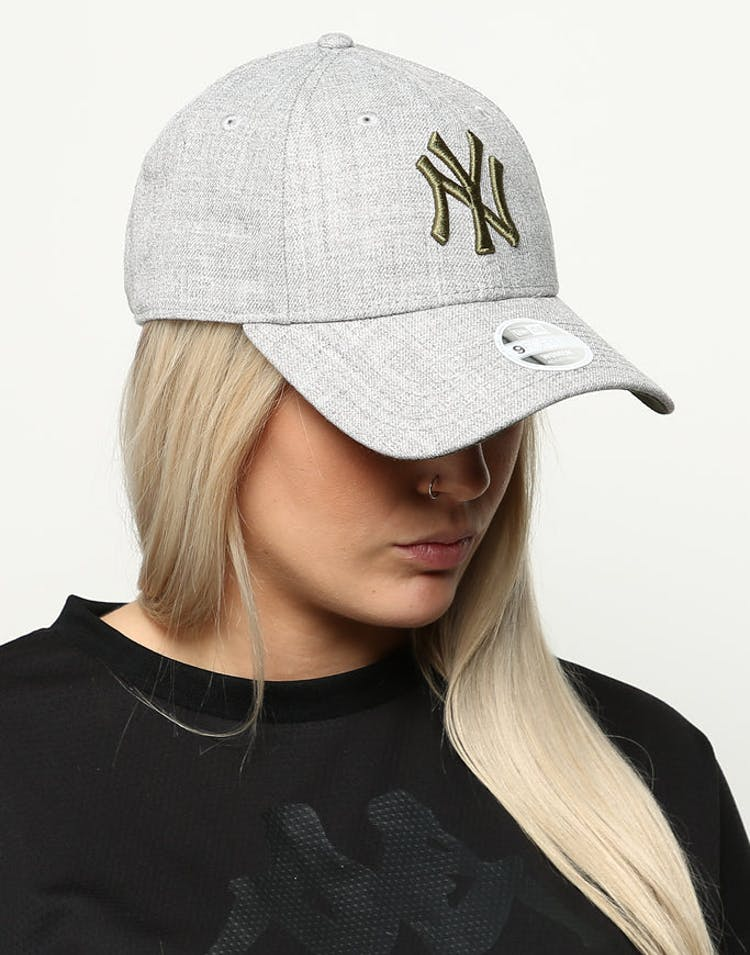 the best attitude b2fd9 ab03d New Era Women s New York Yankees 9FORTY Cloth Buckle Strapback Heather –  Culture Kings