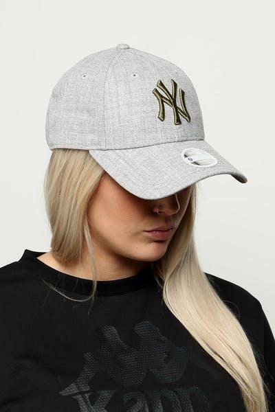 New Era Women s New York Yankees 9FORTY Cloth Buckle Strapback Heather Grey d9326b04f5ca