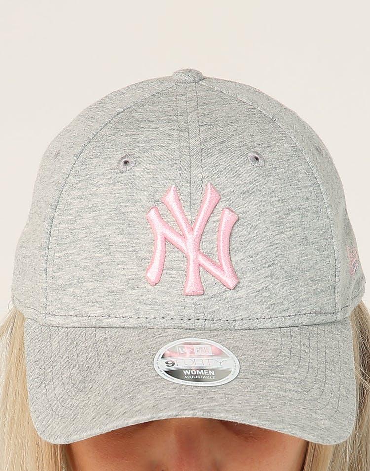 18ed8249 New Era Women's New York Yankees 9FORTY CL Strapback Heather Grey