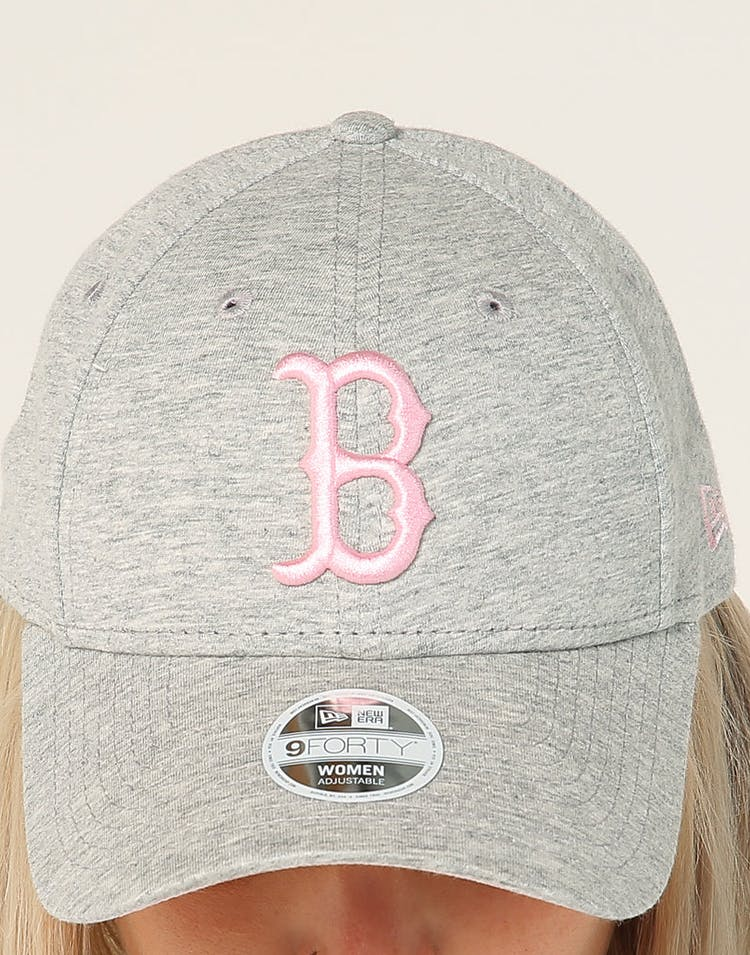 purchase cheap 64cf5 18e7c New Era Women s Boston Red Sox 9FORTY CL Strapback Heather Grey